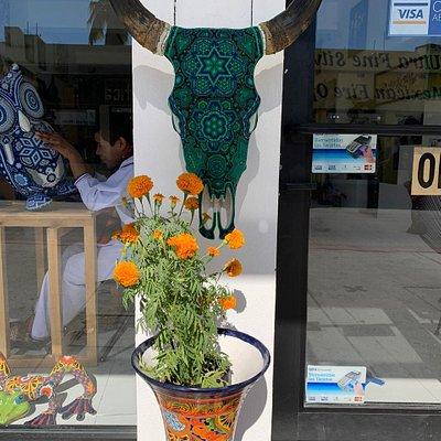Disco ver the wonderful huichol art with treir ubique Handmade pices