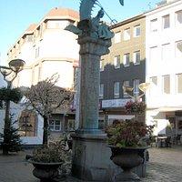 Triton-Brunnen in Duisburg auf der Münz - Straße...