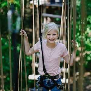 Meisje op klimparcours | Klimrijk