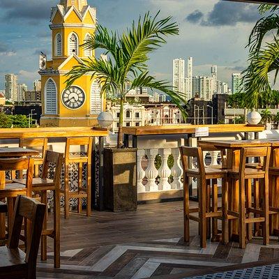 Rooftop con vista a la Torre del Reloj