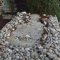 Сен-Поль-де-Ванс. У могилы Марка Шагала