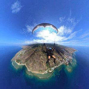 Survol de tous les lagons de Saint-leu en baptême de parapente, île de la Réunion