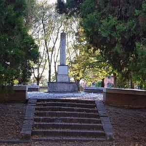 Monumento ai tre martiri ferraresi del Risorgimento Succi Parmeggiani Malagutti