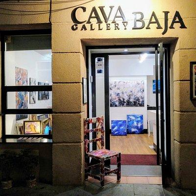 Cava Baja Gallery. Cava Baja, 27 - Madrid. Galería de arte en Madrid. Martes a sábado: 11 a 15.30 y de 18.30 a 21.30h. Domingo de 11 a 15.39h.