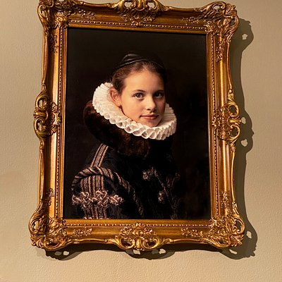 This is the real magic! A framed portrait of yourself, your daughter, your son, girlfriend, boyfriend, mother, father, grandmother, grandfather, dog. It's all possible now! And gain: THIS IS NOT A PAINTING, it's a real picture!