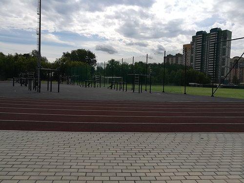 """Площадка воркаута  на стадионе """"Вымпел"""""""