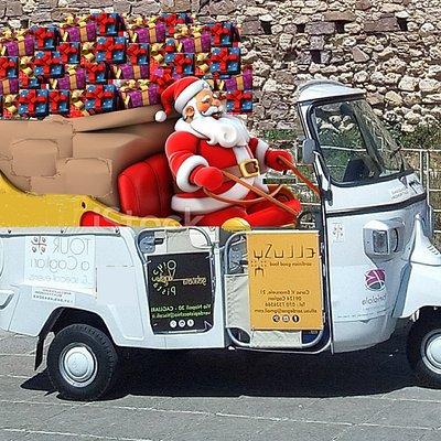 Babbo Natale Quattro Mori si prepara a consegnare i vostri regali!🎅 Per info e costi  : (+39) 345 454 30 83