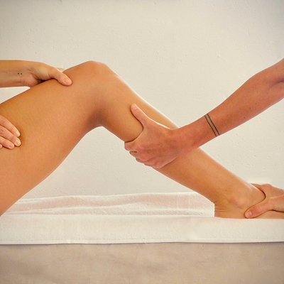 Receive two hours of bodywork in one with our luxurious Tandem Massage Therapy treatment!