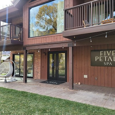 Five Petals Spa At The Cliffrose
