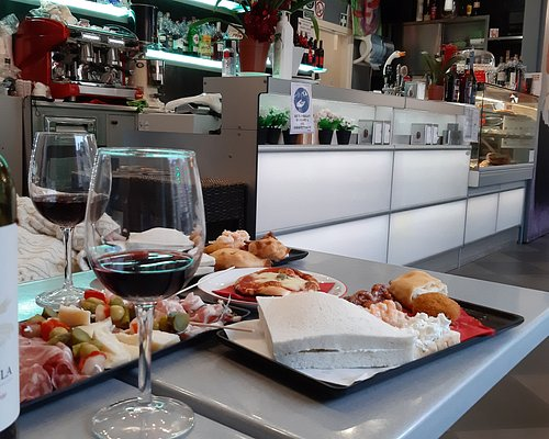 Cicchetti e ottimo vino