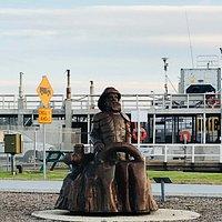 Avenue of Honor Memorial Statues