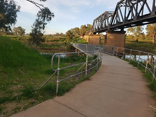 The Tracker Riley Cycleway crosses the Macquarie river at a number of points. This is the cycle bridge near the Dundullimal Homestead next to an abandoned railway line.
