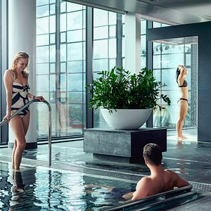 Upper House Spa relax pool