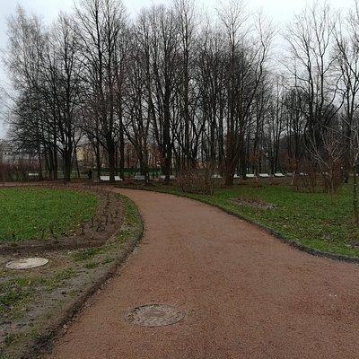 Дорожка, Митрополичий сад Александро-Невской Лавры