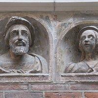 bustes de François Ier et de sa seconde épouse, Eléonore d'Autriche