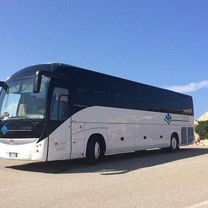 Sicurezza, comfort, professionalità e divertimento, affidati a noi per tutti i tuoi viaggi in Sardegna!