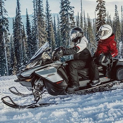Ski Doo Snowmobile Rental - 600cc Grand Touring Ski Doo $250