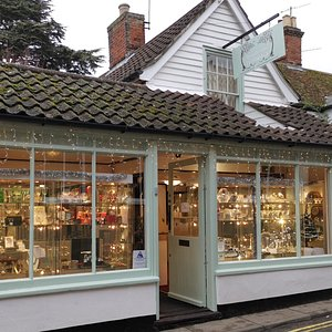 Woodbridge Antiques - Christmas windows