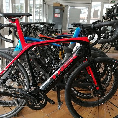 Road ebike Trek Domane plus