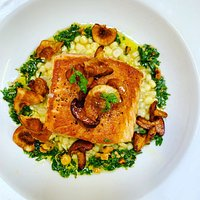 Salmon with creamed corn,chanterelle mushrooms, crispy sunchokes and salsa verde