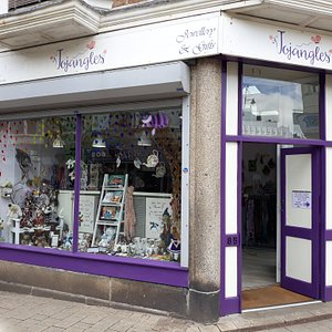Beautiful shop full of the unusual. Lovely helpful staff with 5* customer service. A definite must for all your jewellery and gift needs.