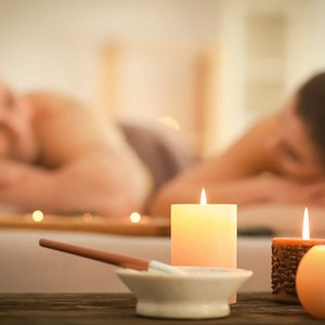 We cater for couples looking for a relaxing massage together