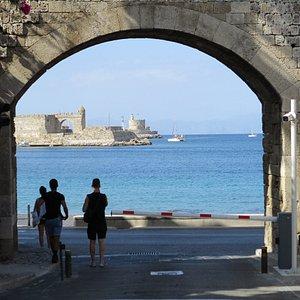 Tor zum Hafen