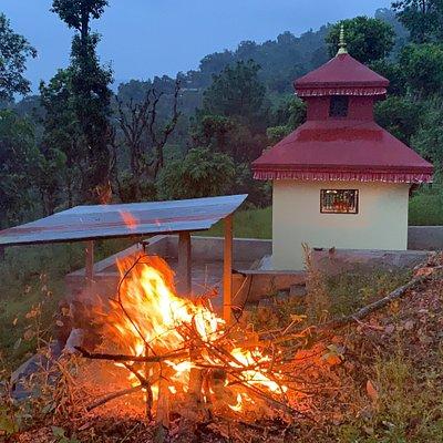 A bit of fun campfire @ Saping Siddhi Ganesh Temple
