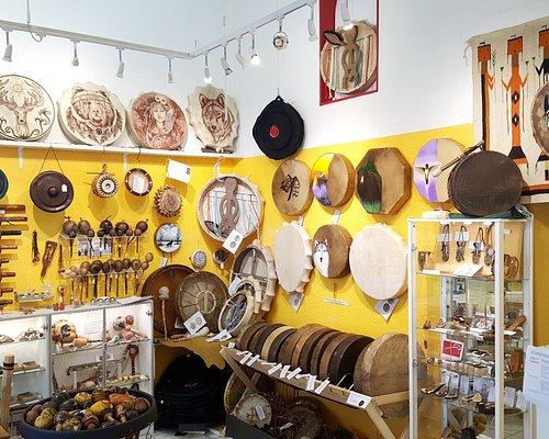 Tambours authentiques d'artisans Native American Lakota, Cherokee, Athapascan, Pueblo, (USA) - et de Sibérie - Russie Altaï - Touva, Khakassie, Yakoutie...