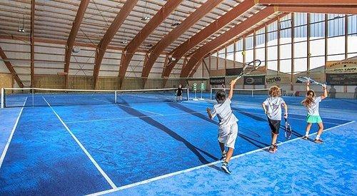 Centre sportif et halle de tennis à Morgins (canton du Valais)