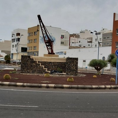 Small crane in roundabout near the Port