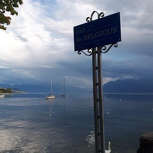 Vierge du Lac Statue Socha Lausanne