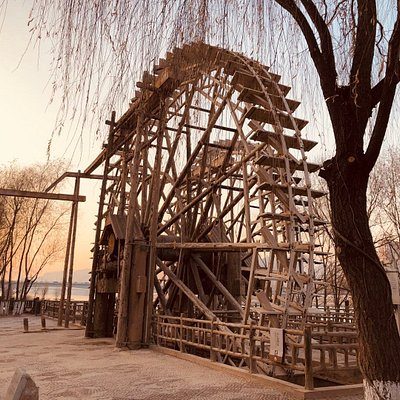 The first pair of waterwheels in the park.
