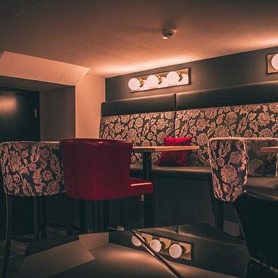 Lounge beim Piano