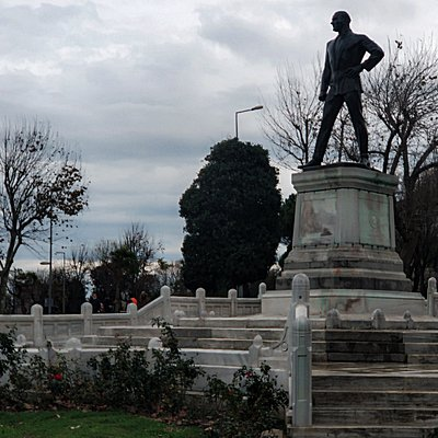 Monument to Ataturk on the shores of the Bosphorus