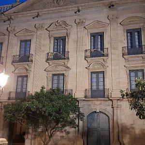Plaça Del Palau Episcopal