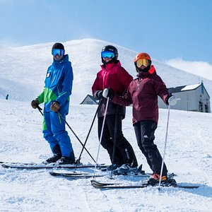 Our team is here to show you all that Niseko United has on offer, be that the gentle beginner slopes at our two base areas or the more challenging slopes of the upper mountain, a day with our team will have you smiling and noticing real improvement.