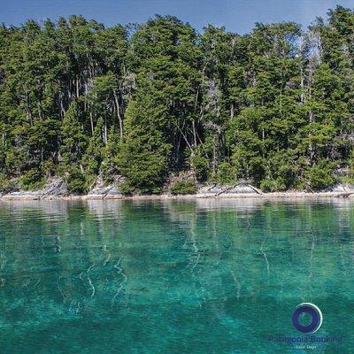 Navegar con el lago planchado es uno de los pequeños placeres de la vida. Contactanos por Whatsapp  y hacé tu reserva!