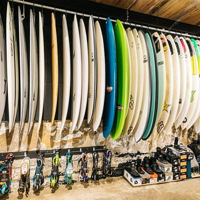 Imensas pranchas de surf em stock! Firewire, Al Merrick, Lost, DHD, JS, Hayden Shapes, Catchsurf, Semente, etc