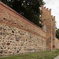 Prenzlau, Brandenburg, Germany, Stettiner Tor - city walls along Mauerstrasse and Stettin gate tower.