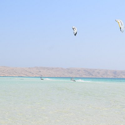 Kite-trip beside the island