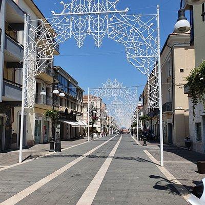 nice shopping street