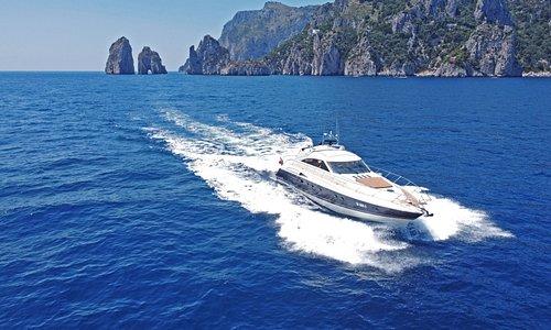 Princess V65 a Capri