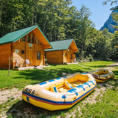 It's all about rafting on the Tara River, but it is also nice to chill out in our new and comfortable chalets.