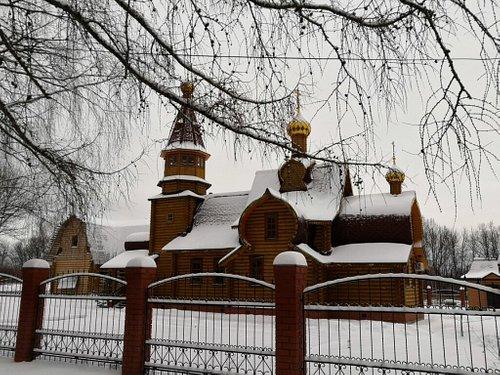 Разные ракурсы кинешемского Димитриевского сакрала