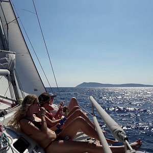 Sailing experience from Hvar to Vis