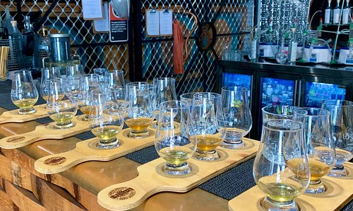 Brewery tours and distillery tours from the Gold Coast and Byron Bay with Smooth Hoperator