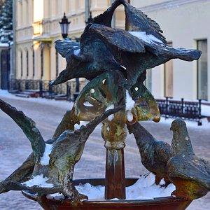 "Казань. Улица Баумана. Композиция ""Голуби"""