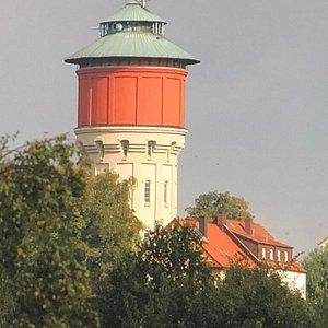 Wasserturm im Sonnenlicht