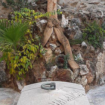 Cementerio De Sant Genís